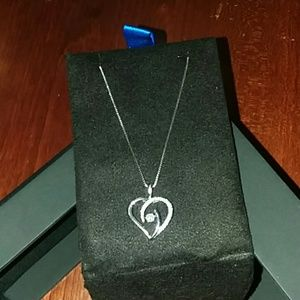 Diamond heart pendant w/sterling silver chain